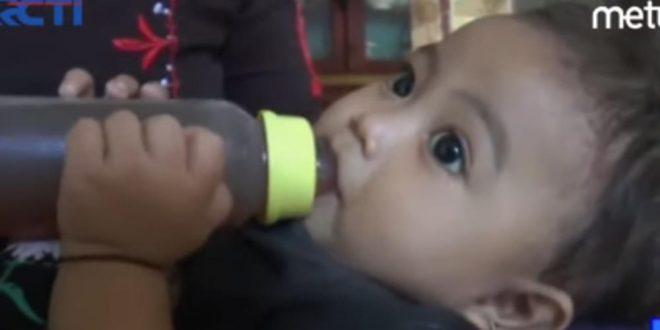 Девојче од една година е веќе зависник, кога ќе слушнете зошто ќе ви надојдат солзи!