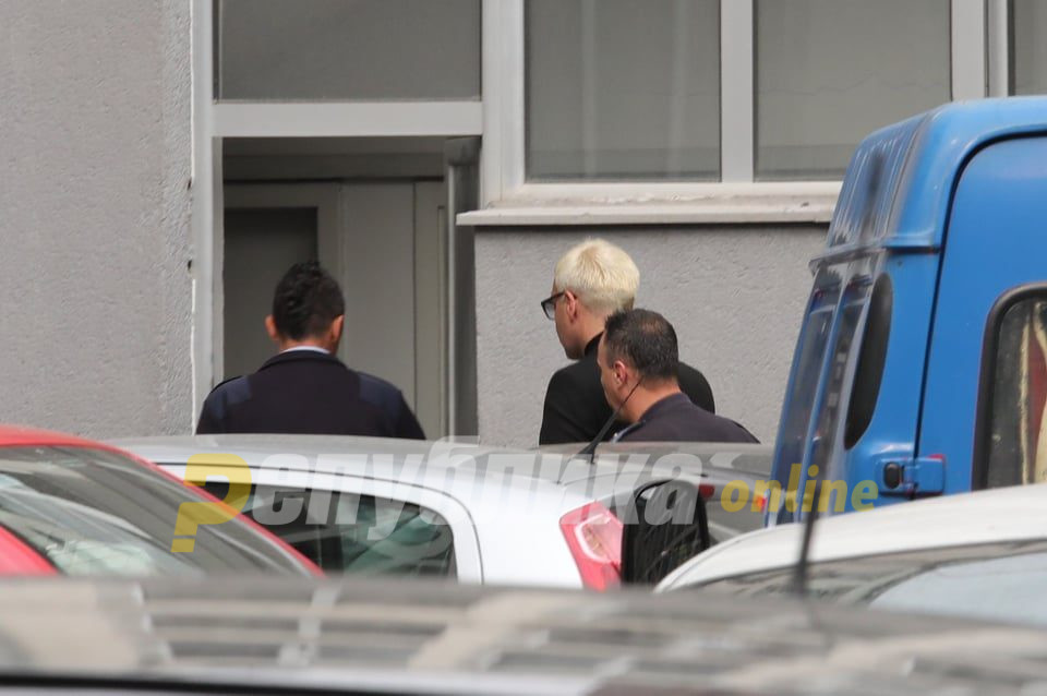 Боки бил нападнат од затворските службеници