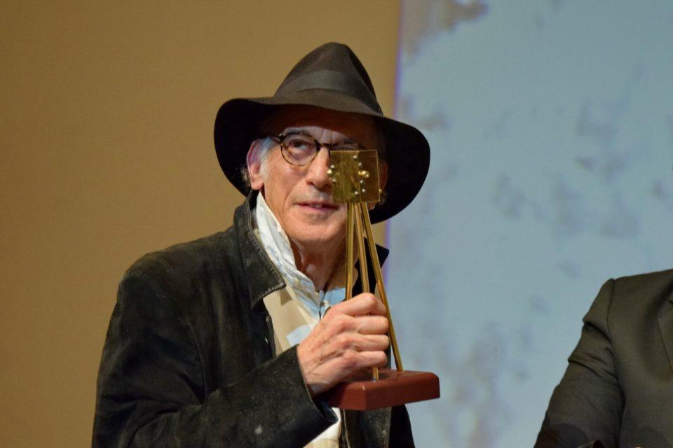 """Не знам дали припаѓам во друштво на толку големи имиња, рече добитикот на наградата """"Златна камера 300"""" за животно дело Едвард Лакман"""