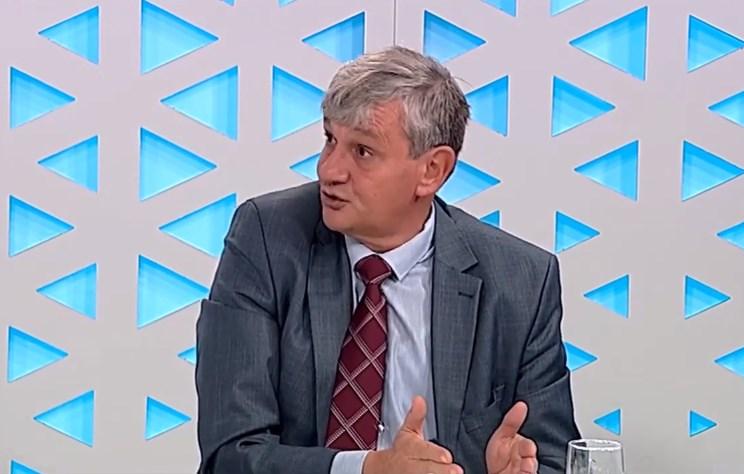"""Миланов: Во право е Верушевски за """"бомбите"""", и СМС пораките може да биле променети"""