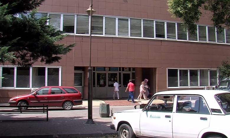 Лекари и медицински сестри нападнати ноќеска во Градска болница