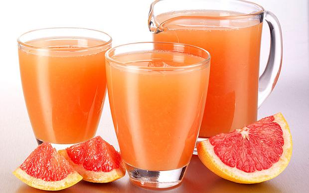 Кралот на диетите: Сок од 3 моќни намирници пред кои килограмите се топат