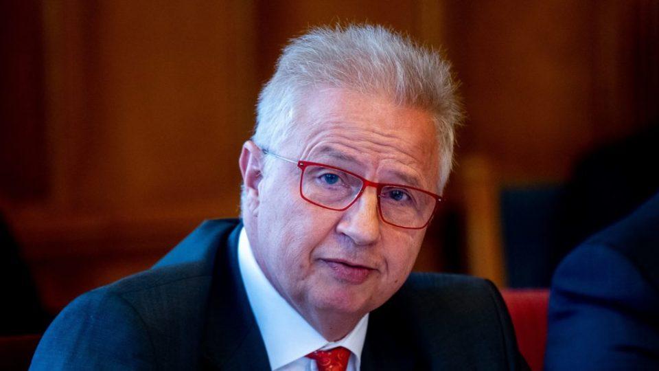 Преседан во комитетот за правни прашања на ЕП: Унгарскиот кандидат за еврокомесар за проширување блокиран во ЕП