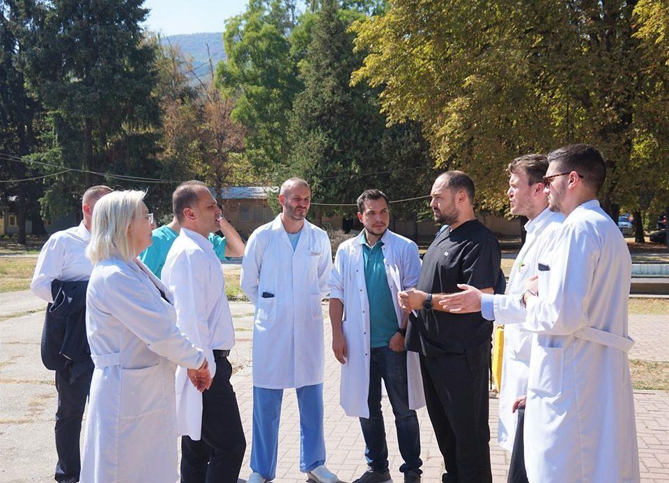 Ранет лекар, претепан доктор, разрушени болници – Ова не е Калкута, ова е Македонија