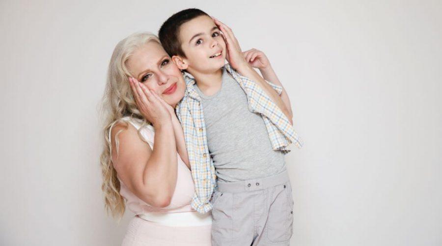 Ќерката на Маја Оџаклиевска избегала, пејачката сама се грижи за внукот со аутизам
