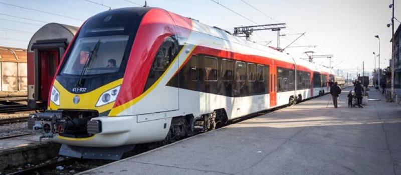 На скопската железничка станица вчера се запали локомотива од патнички воз