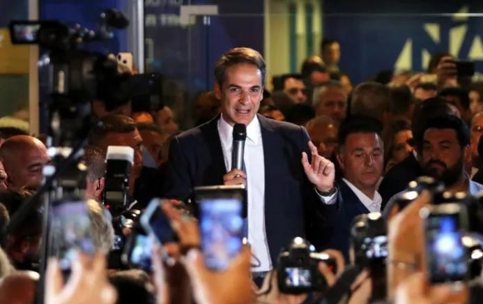 Грчкиот премиер го урна личниот рекорд на одговорени новинарски прашања