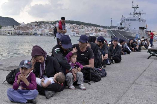 """Мицотакис: Европа одредени земји третира како соодветен """"паркинг простор"""" за бегалци и мигранти"""