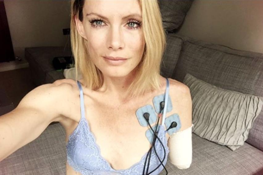 Откината и е раката, дублерката на Мила Јововиќ ги тужи сите од сетот на филмот