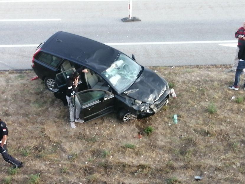 Само што го купиле автомобилот Македонци се судриле кај Врање, еден загинат