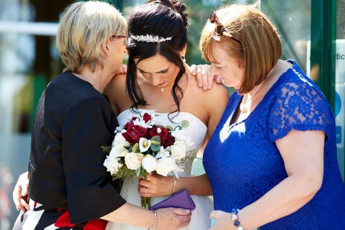Можно е само на Балканот: Се развеле три часа по свадбата поради песна