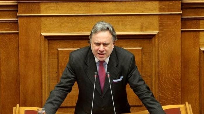 Катругалос: Се чини дека Атина сака да ги стави Македонија и Албанија во пакет