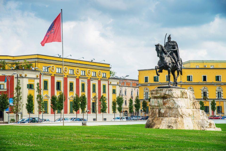 Си ги бараат правата: Македонците во Албанија сакаат македонскиот да биде службен јазик