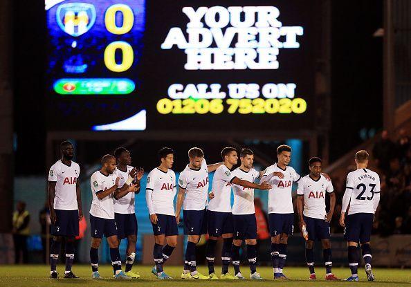 Тотенхем елиминиран од Лига Купот од клубот од четвртата дивизија