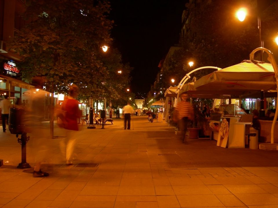 Двајца скопјани се пресметале синоќа на улица Македонија