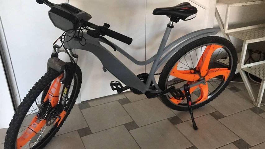 Со субвенции за електрични велосипеди Париз ќе го намалува метежот и загадувањето