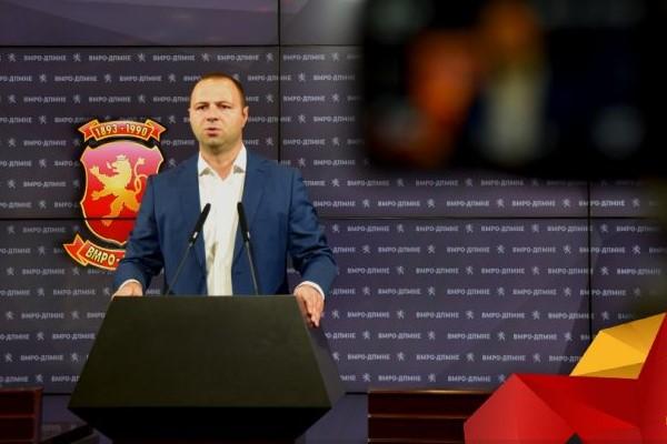 Три години Македонија ги трпи последиците од најнеспособната влада од осамостојувањето