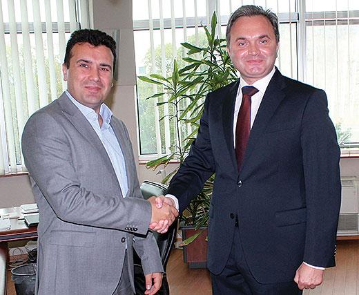 """ИФИМЕС добива 1.000 евра месечно, Беќировиќ нула денари за да го советуваат Заев, """"Алфа"""" ги чека официјалните документи"""