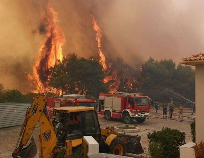 Закинтос во пламен, стотици пожарникари не успеаја синоќа да го совладаат пожарот