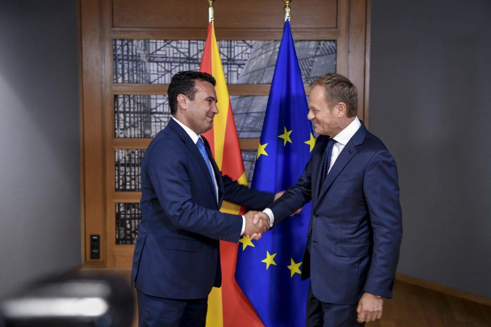 Заев се сретна со претседателот на Европскиот Совет, Доналд Туск во Брисел