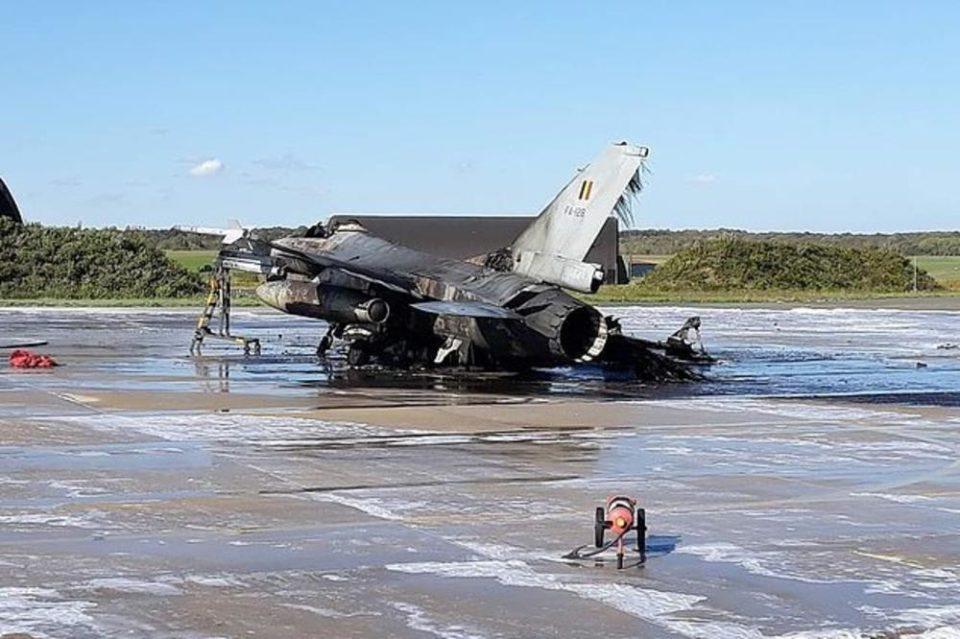 Преживеа пилотот на урнатиот американски авион Ф-16 во Германија