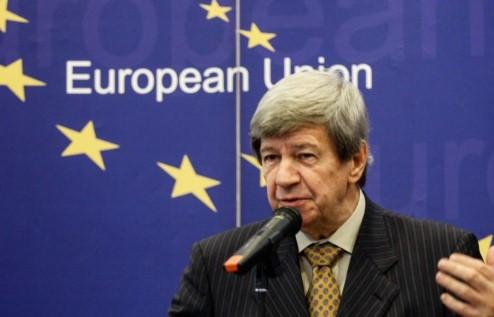Кукан и Флекенштајн ќе го олеснуваат дијалогот меѓу власта и опозицијата во Србија