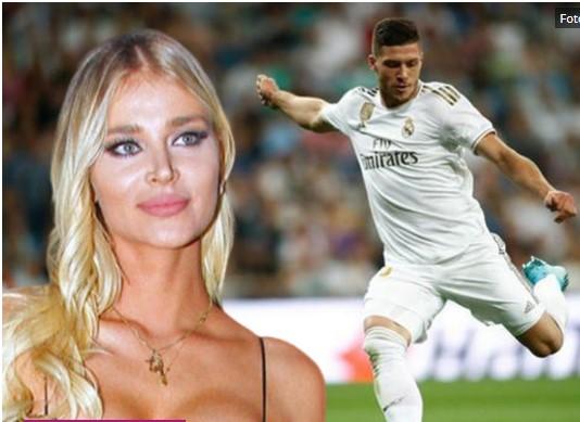 Не мисли на фудбал туку на Софија: Лука Јовиќ во врска со српска манекенка