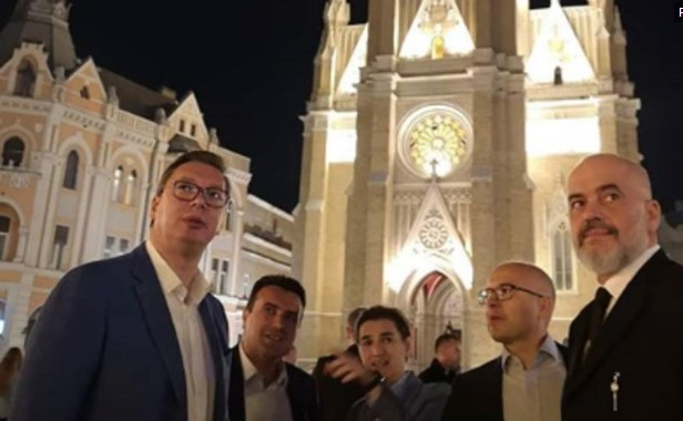 Заев, Рама и Вучиќ се прошетаа низ Нови Сад