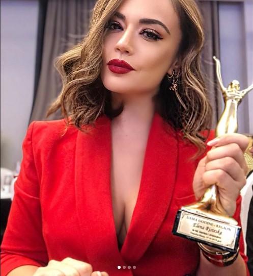 """Елена Ристеска доби титула """"Дама на годината"""" во регионот"""