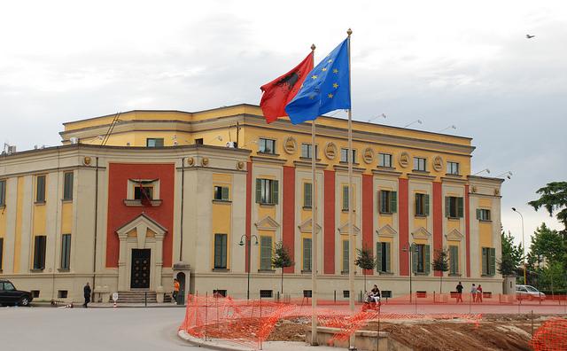 Владата на Албанија не чувствува потреба за оставка