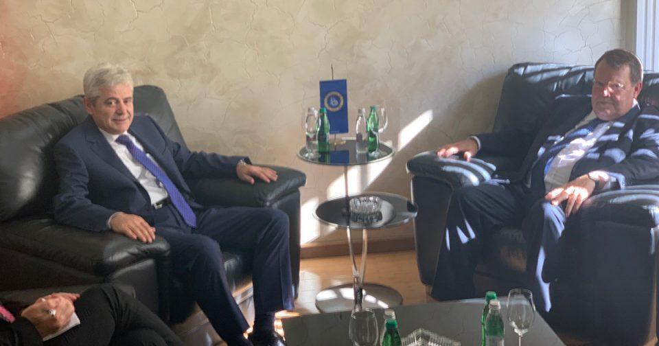 Ахмети: Очекувам датум за почеток на преговори за Македонија и Албанија