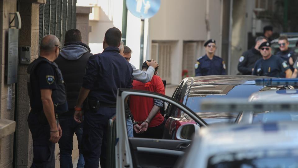 Анархисти упаднаа во дворот на турскиот конзулат во Солун, 10 приведени