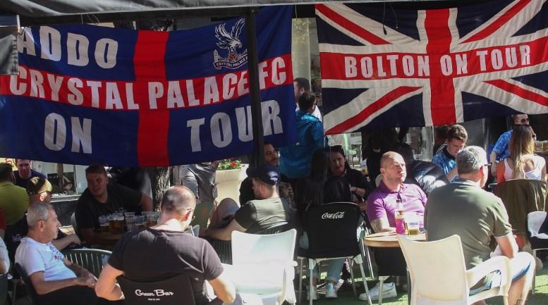 Храната е добра, пивото евтино: Англиски навивачи навалија во Софија