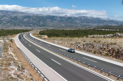 Македонци се тркале на автопат во Хрватска: Казната како две македонски плати