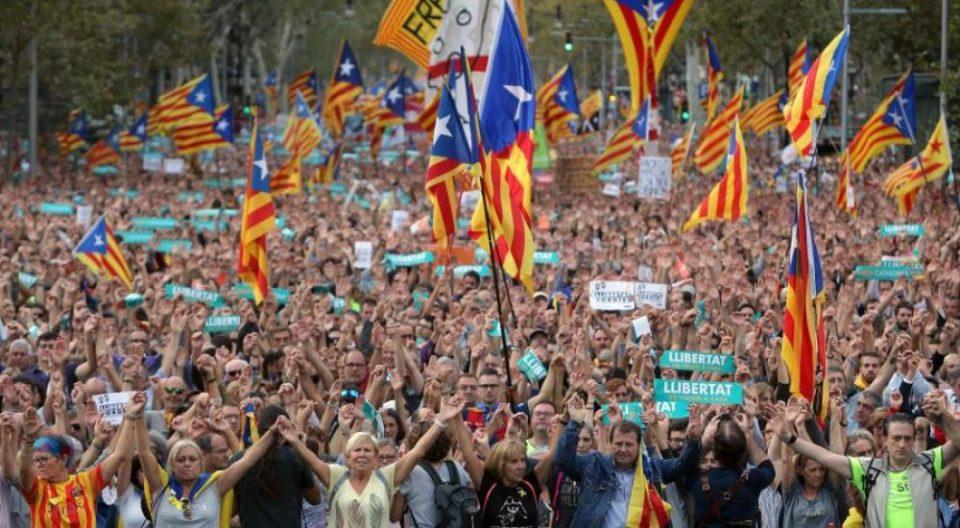 Шестмина повредени во синоќешните протести во Барселона