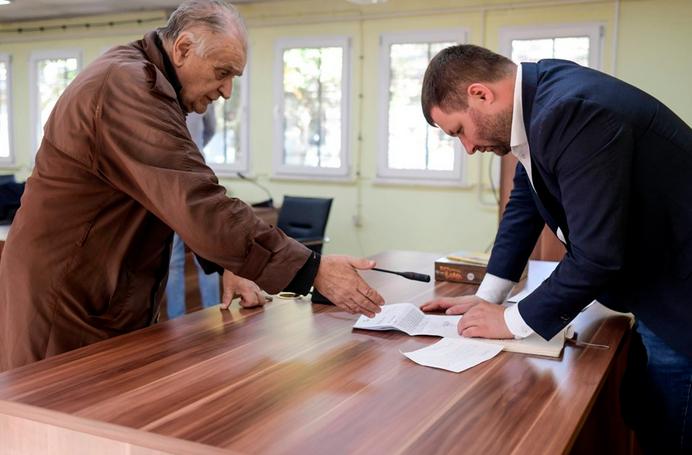 Центарци со реални проблеми излегоа пред Богдановиќ