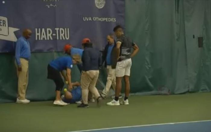 Среде тениски терен: Играч нокаутираше судија со рекет