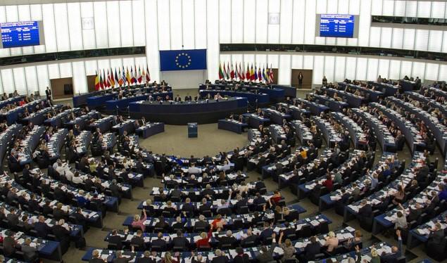 Европарламентот со вонредна резолуција за преговори со Македонија
