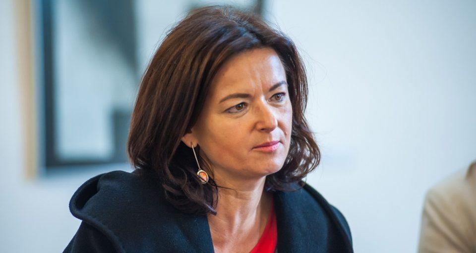 Фајон: Франција игра валкана политичка игра