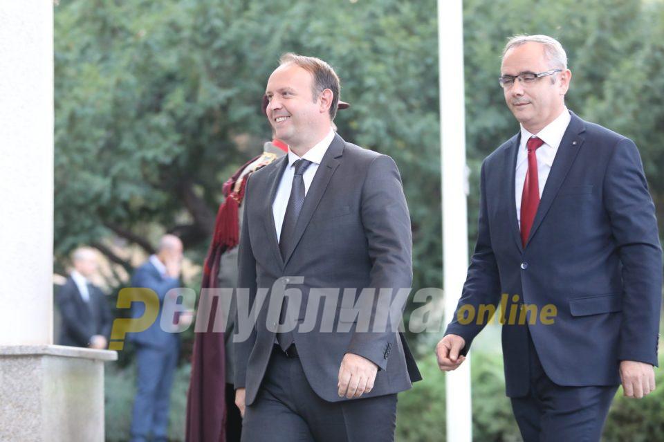 Алтернатива не сака со Беса, ама сака со Алијанса: Албанската опозиција се уште без договор за предизборна коалиција