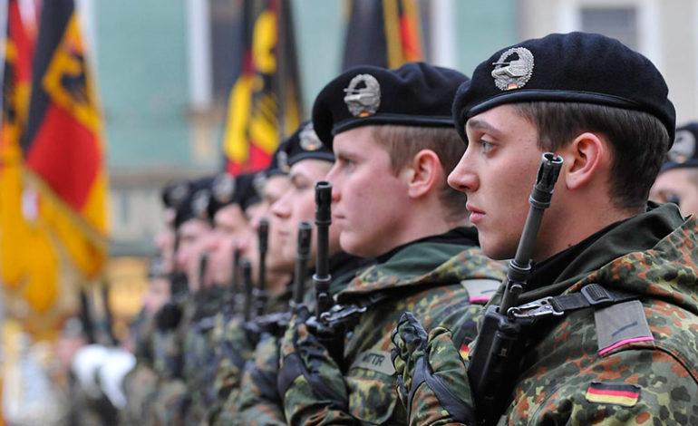 Германските војници на Мали лути на министерката за одбрана поради одложениот лет за дома