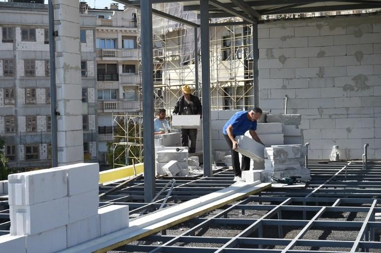 Почна демонтажата на времениот објект на покривот од ГТЦ