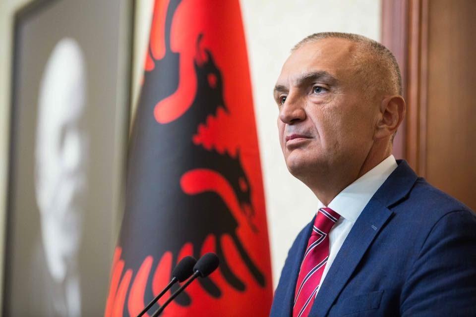 Партиите во Албанија бараат од претседателот Мета да свика лидерска средба