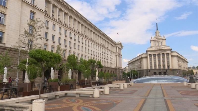 Бугарски интелектуалци се против условите кои бугарската Влада ги бара од нашата земја