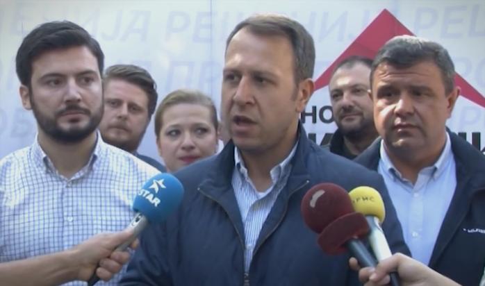 Јанушев во Штип: Кога системот не функционира, лесно е да се обвини опозицијата за запалени автомобили