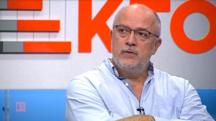 """Калајџиев: Очигледно е дека """"Рекет"""" се развлекува и има поддршка од политички структури"""