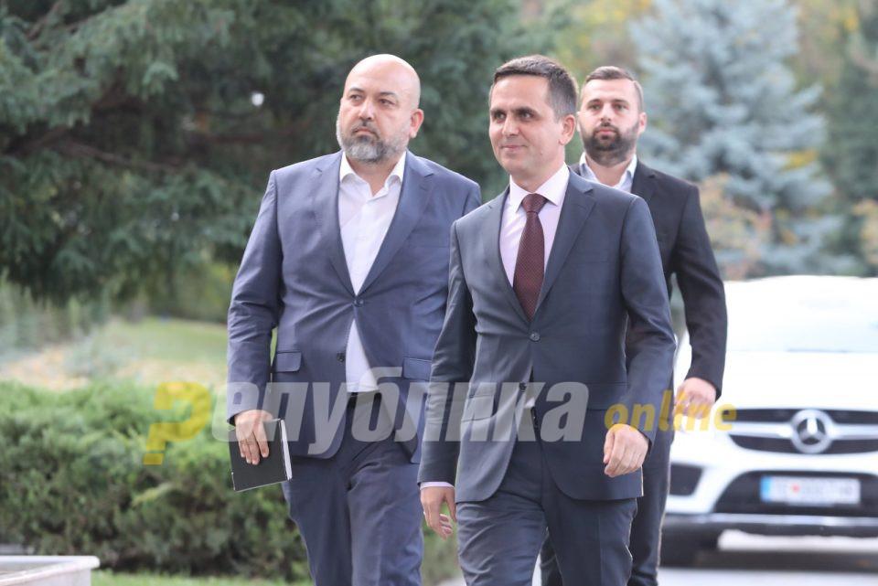Касами: Сите опозициски и владејачки партии да направиме албанска платформа за да ја пензионираме ДУИ
