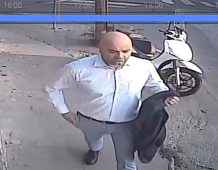 Костумосан господин краде по градот: Сите го знаат, дури и полицијата, но не го апси