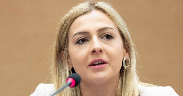 Ангеловска: Прогресивниот данок не се укинува, туку се става во мирување