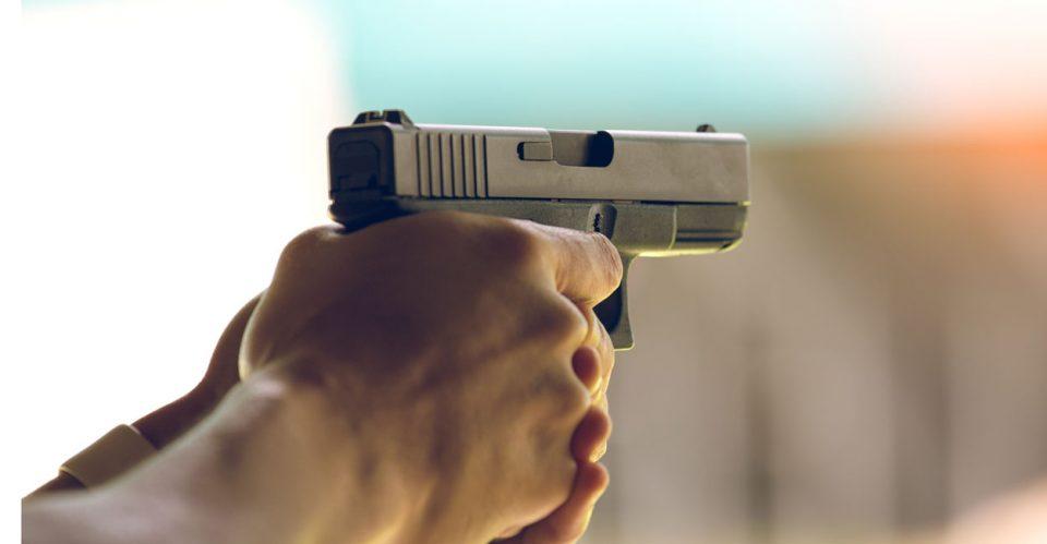 Насилство во Дебар: Среде ноќ му влегле дома со оружје